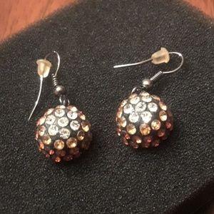 Vintage Style Look Crystal Earrings.